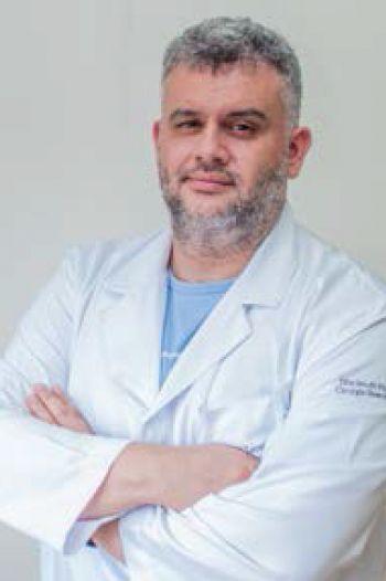 Diagnóstico precoce melhora o tratamento da surdez nos primeiros anos de vida, alerta otorrino